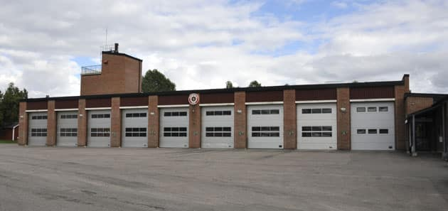 Deltid 1 Befäl i beredskap (BiB) + 1 Styrkeledare + 5 Brandmän Anspänningstid: 5 minuter