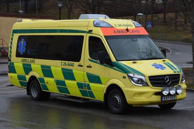 3 26-9440 Mercedes-Benz Sprinter 906 -2015 Påbyggare: Profile Övrigt: Plats för två liggande och två sittande patienter