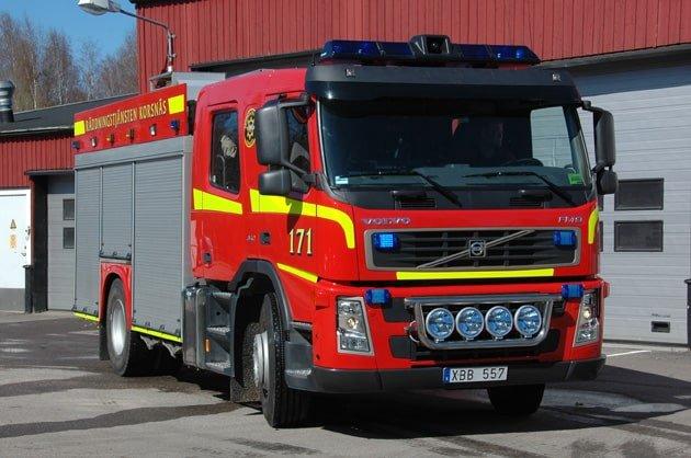 45 171 Släck -/ Räddningsbil Volvo FM9 340 -2005 Vatten: 3000 L Skum: 400 L Pump: 3000 L/Min Påbyggare: SRF