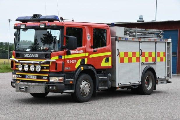 2 26-2310 Släck/Räddningsbil Scania P 94 GB 310 -1998 Vatten: 3000 L Skum: 400 L Pump: 3000 L/Min Påbyggare: Autokaross