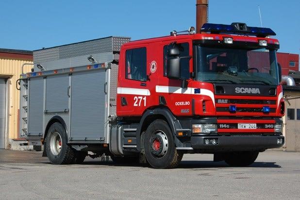 2 26-8010 Släck -/ Räddningsbil Scania P 114 GB 340 -2003 Vatten: 3000 L Skum: 400 L Pump: 3000 L/Min Påbyggare: Autokaross