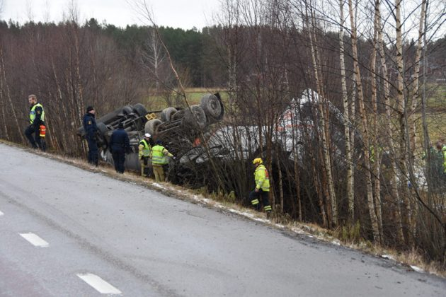 Tankbilsolycka väg 50 Mohed Xnytt