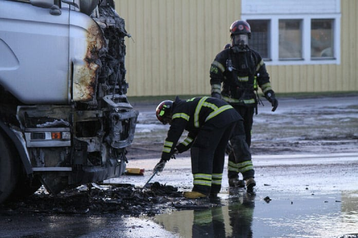 Lastbilsbrand Skutskar 76 Xnytt