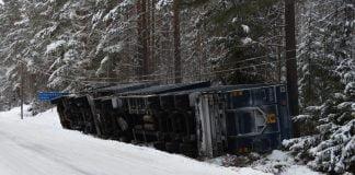 Lastbilsolycka Ockelbo Xnytt