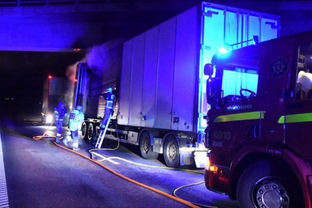 Lastbilsbrand E4 Soderhamn Xnytt